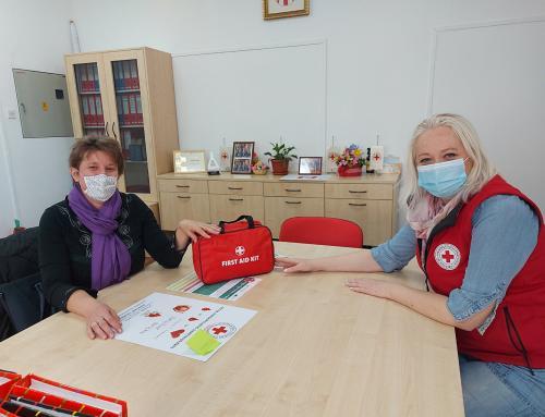 GDCK Ludbreg podijelilo 22 kompleta prve pomoći školama i vrtićima